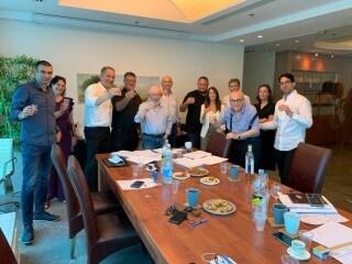 חברת אזורים ודלק נכסים חתמו על הסכם לרכישת קרקע בצומת פת בירושלים